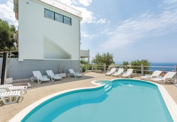 9 bedroom Villa for rent in Makarska
