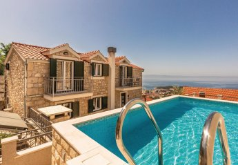 5 bedroom Villa for rent in Makarska