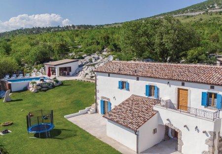 Villa in Nova Vas (Kršan), Croatia