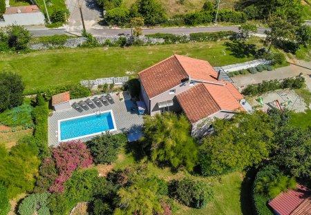 Villa in Smoljanci, Croatia