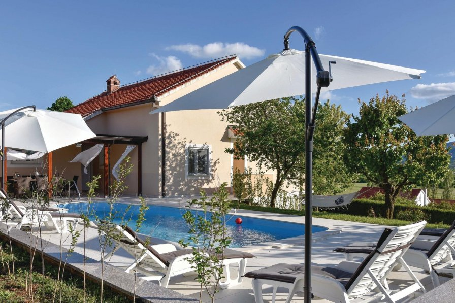 Villa in Croatia, Bajagić