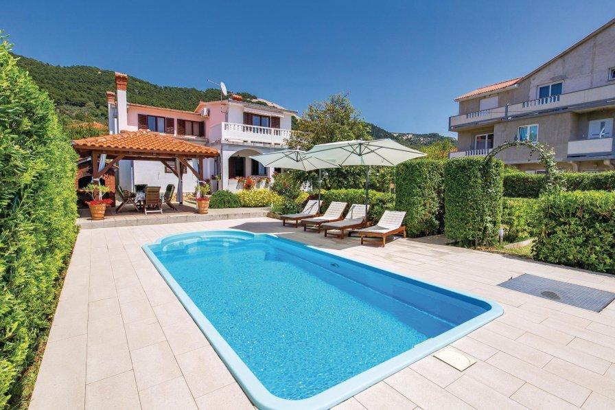 Villa in Croatia, Banjol