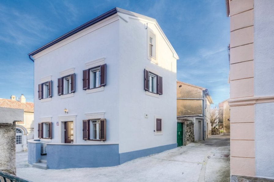 Villa in Croatia, Omišalj