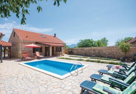 Villa in Bogatić, Croatia