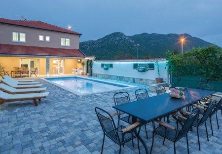 Villa in Zavojane, Croatia