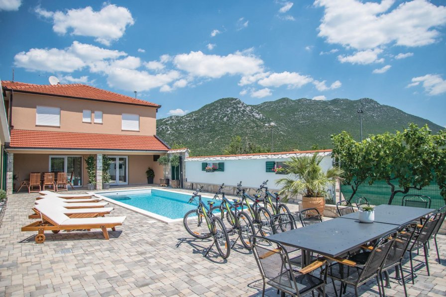 Villa in Croatia, Zavojane