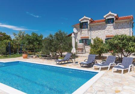 Villa in Lozovac, Croatia