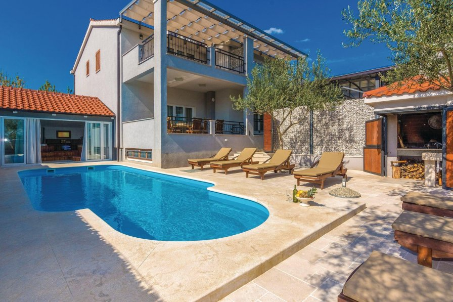 Villa in Croatia, Pridraga