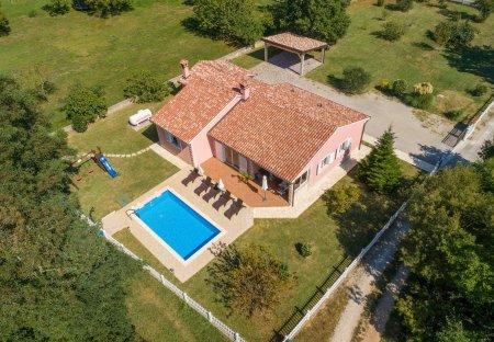 Villa in Vinež, Croatia