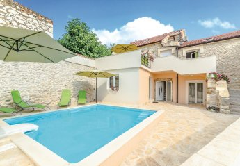 4 bedroom Villa for rent in Zadar