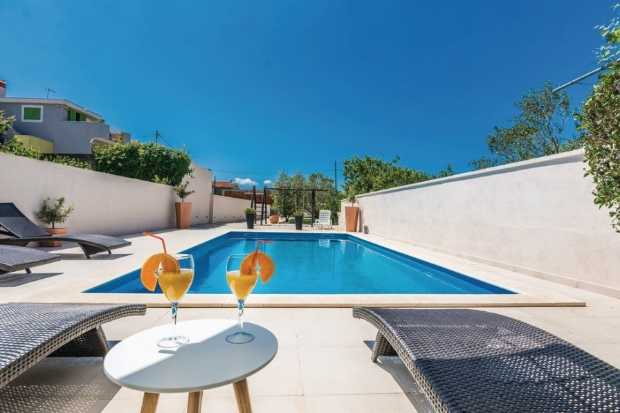 villa to rent in zaton zadar croatia with swimming pool 207800
