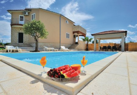 Villa in Pridraga, Croatia