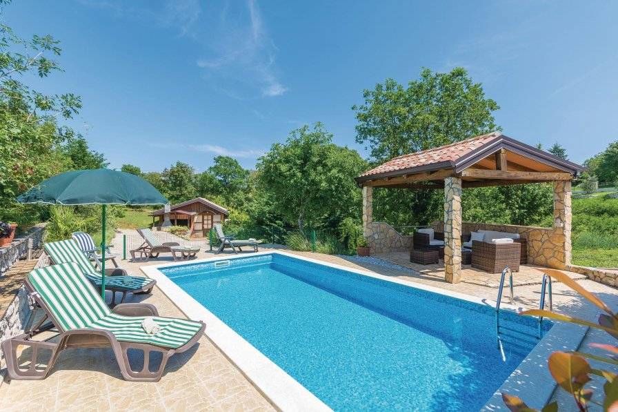 Villa in Croatia, Kapelica