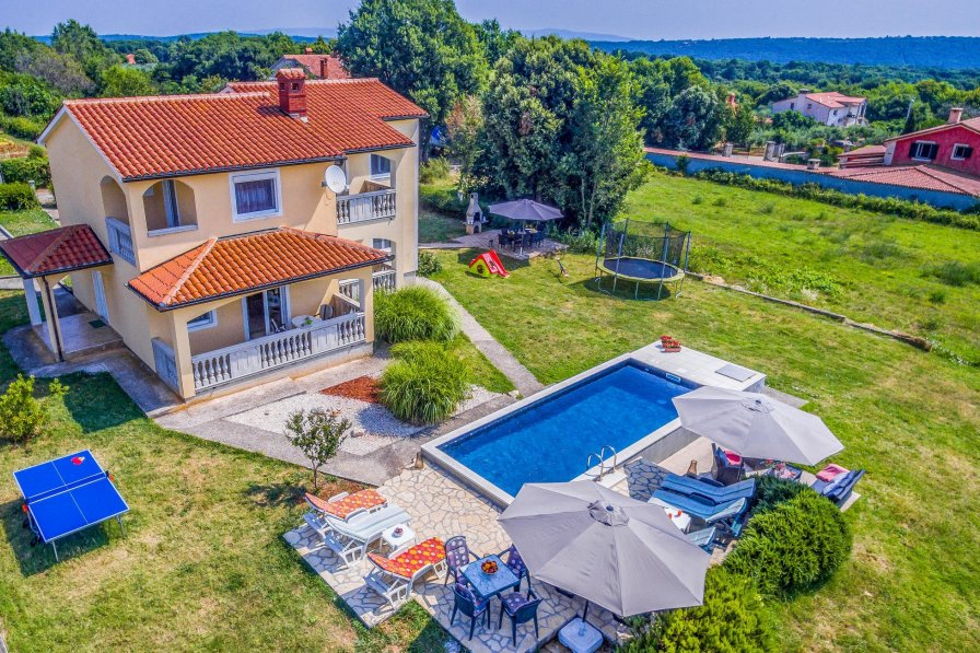 Villa in Croatia, Valtura