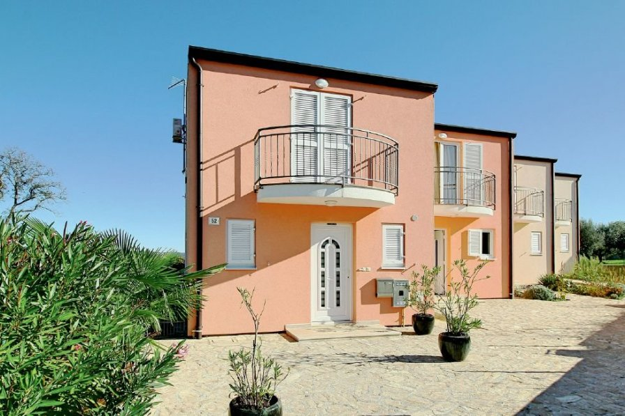 Villa in Croatia, Tar