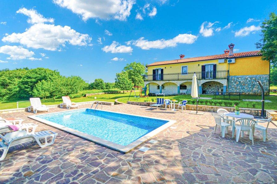 Villa in Croatia, Orič
