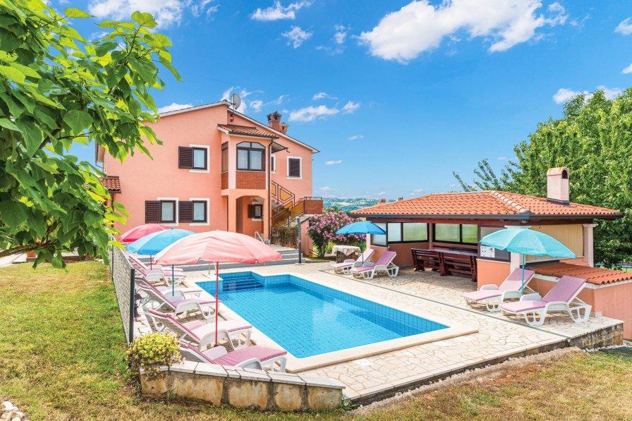 Villa in Croatia, Vinež