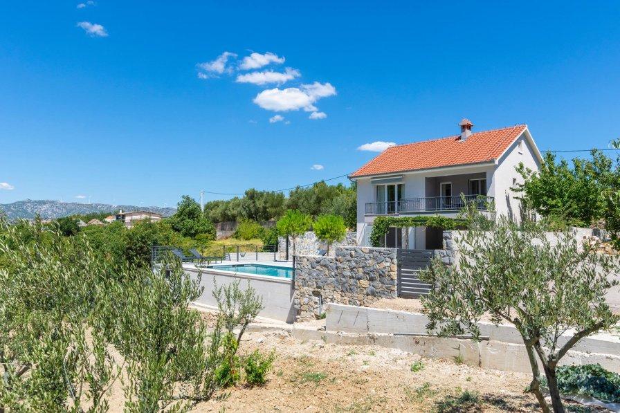 Villa in Croatia, Slime