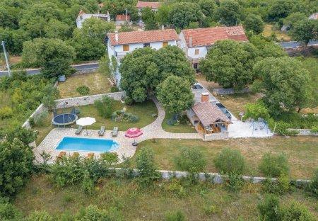 Villa in Mratovo, Croatia