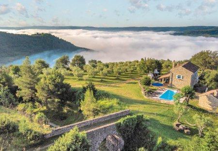 Villa in Kostanjica, Croatia