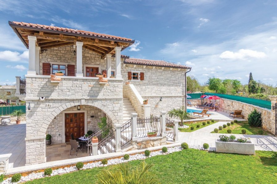 Villa in Croatia, Modrušani