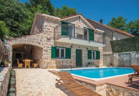 Villa in Šumet, Croatia