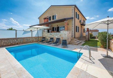 Villa in Lovrečica, Croatia