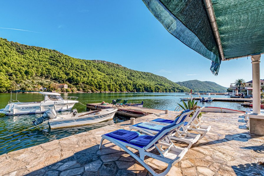 Apartment in Croatia, Broce