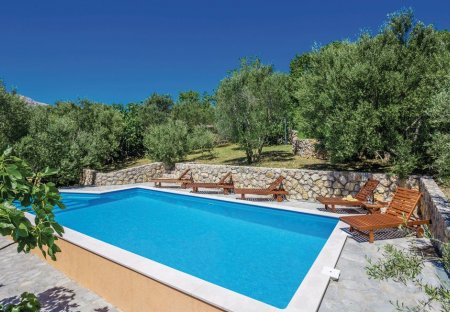 Villa in Draga Bašćanska, Croatia