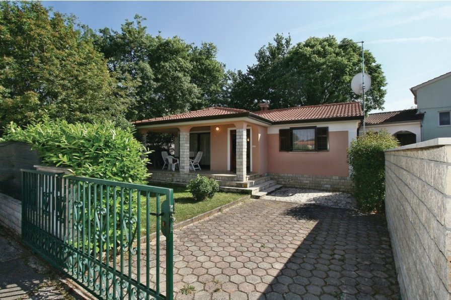 Villa in Croatia, Antonci