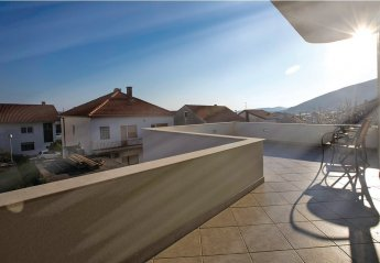 2 bedroom Apartment for rent in Trogir