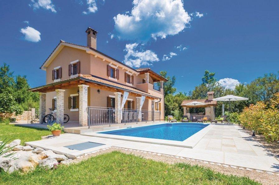Villa in Croatia, Kras