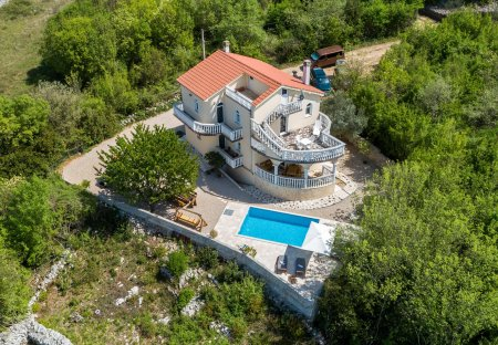 Villa in Barušići, Croatia