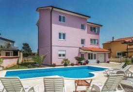 Apartment in Valbandon, Croatia