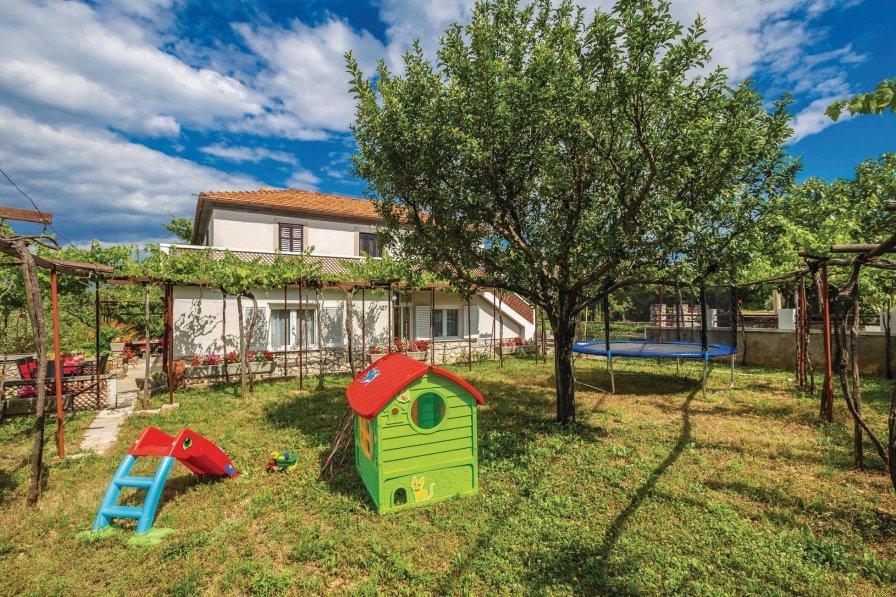 Villa in Croatia, Gostinjac