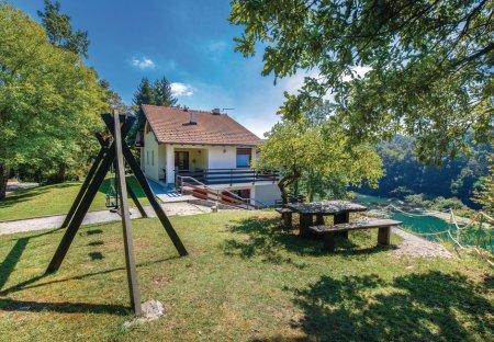 Villa in Donji Zvečaj, Croatia