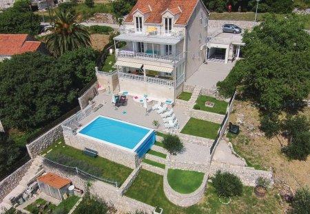 Villa in Brsečine, Croatia