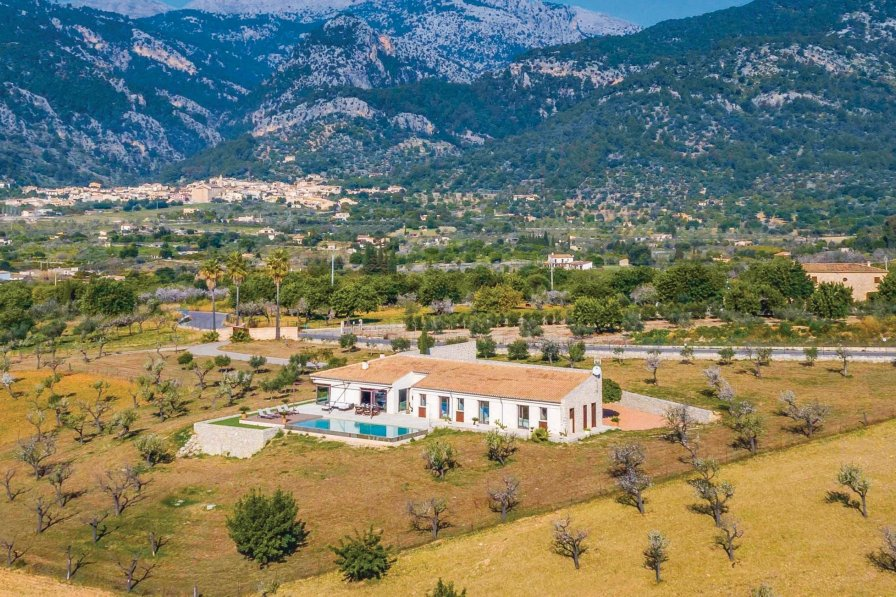 Villa To Rent In Selva Majorca With Swimming Pool 208839