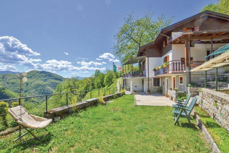 Villa in Italy, Esino Lario