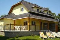 House in Hungary, Vonyarcvashegy: Back of house