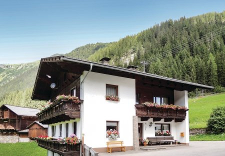 Apartment in St. Jakob in Defereggen, Austria:
