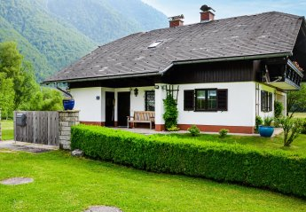 4 bedroom Chalet for rent in Obertraun