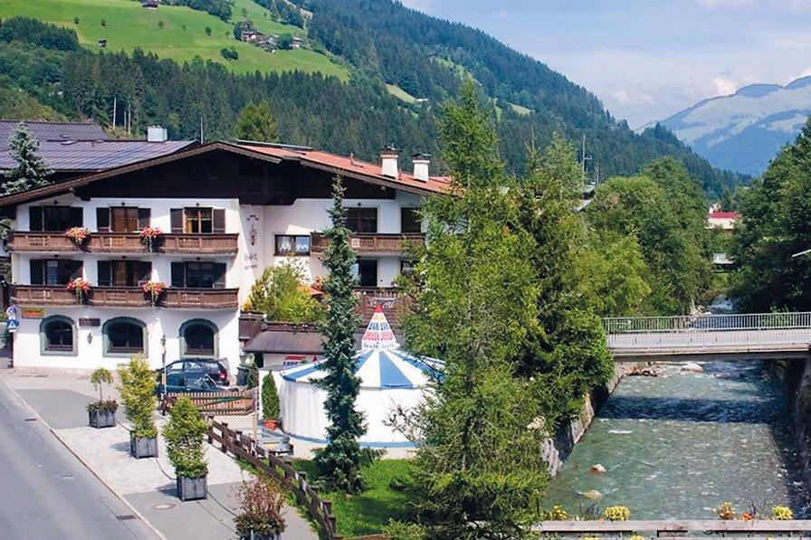 Apartment in Austria, Kirchberg in Tirol: Minolta DSC