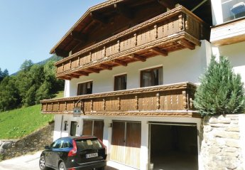 5 bedroom Chalet for rent in Kappl