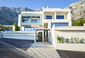 4 bedroom Villa for rent in Makarska