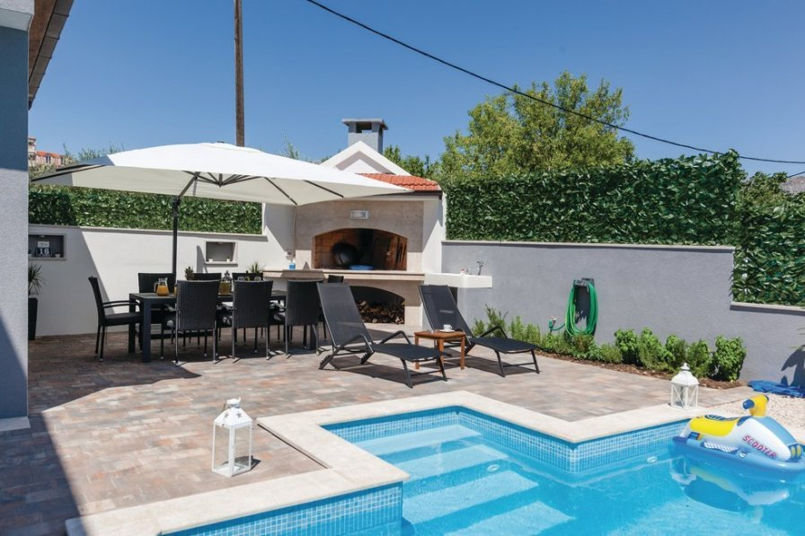Apartment To Rent In Split Croatia With Swimming Pool