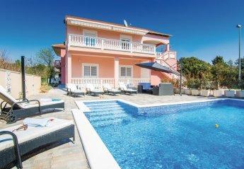 6 bedroom Villa for rent in Bibinje