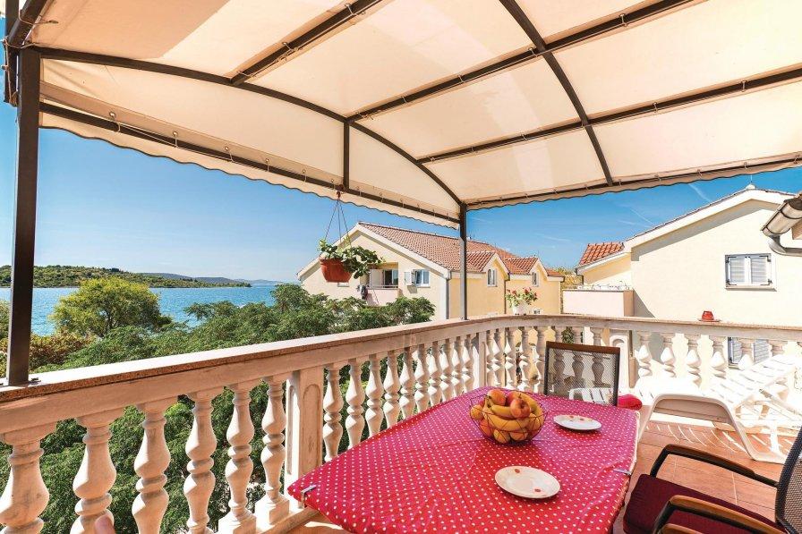Apartment in Croatia, Srima