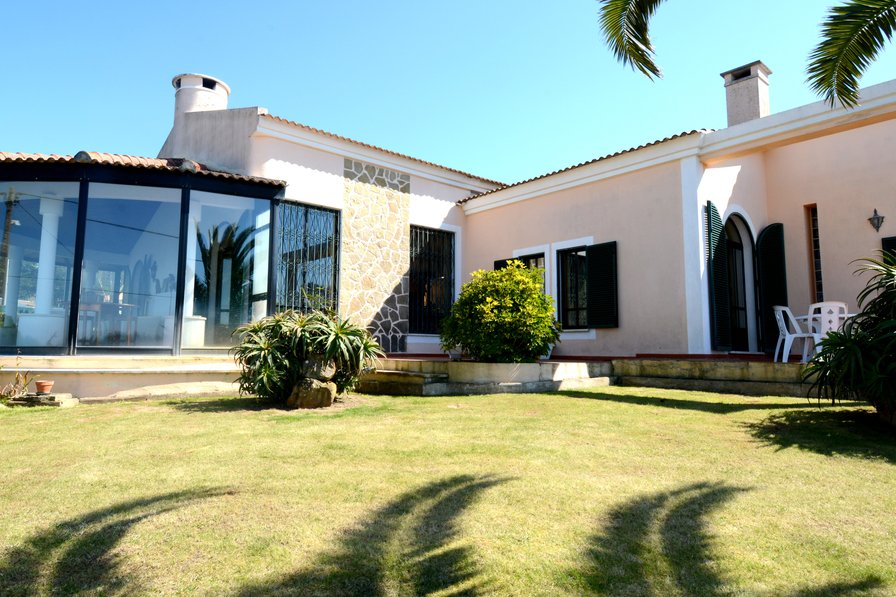 Villa in Portugal, Azóia
