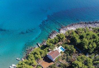 8 bedroom Villa for rent in Lumbarda